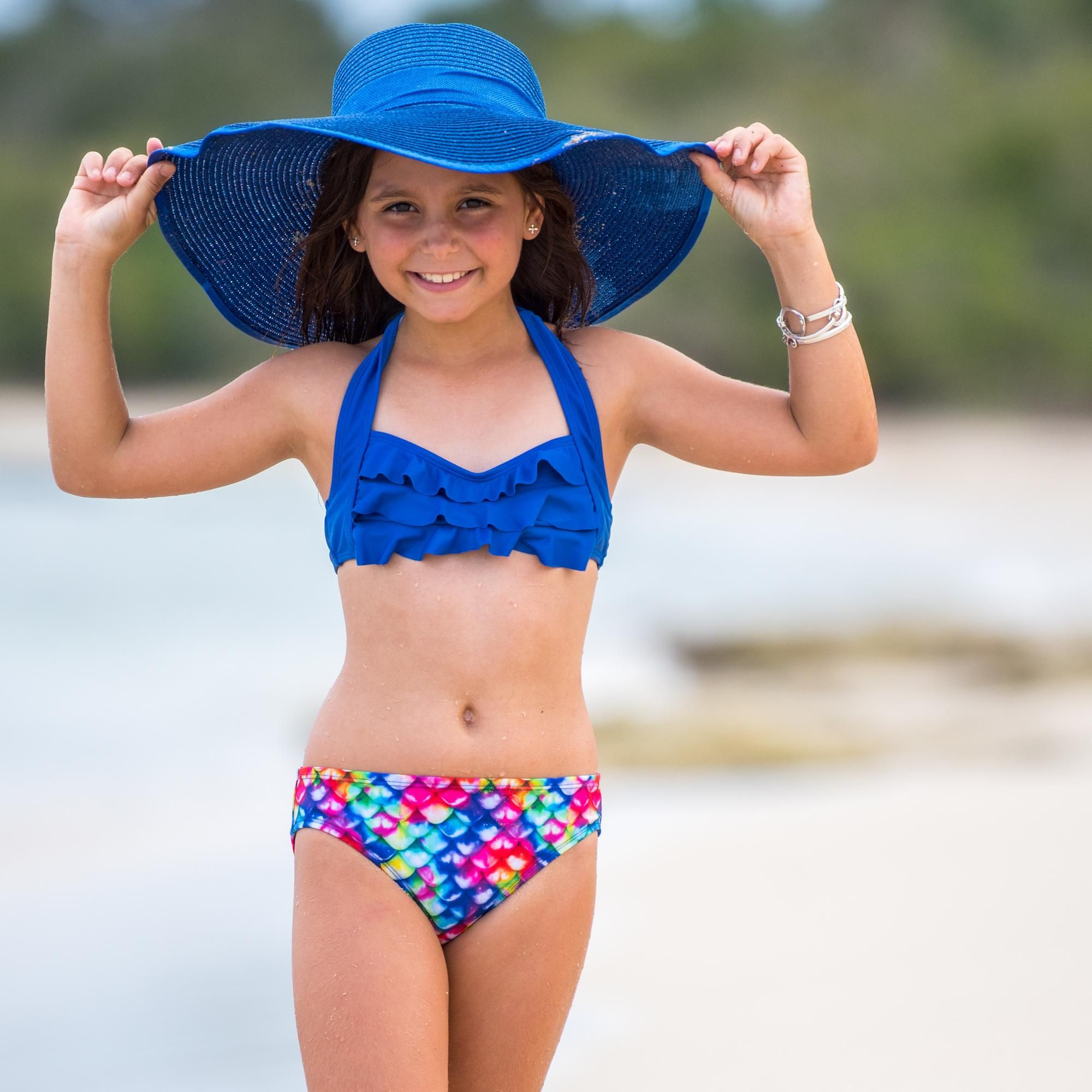 small-girl-in-bikini